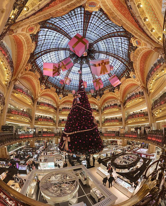 640px-Galerie_Lafayette_Haussmann_Dome